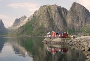 Near Hamnøy